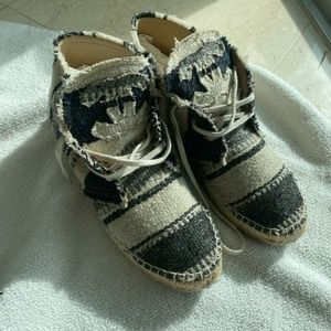 Chanel espadrille excellent condition size 39